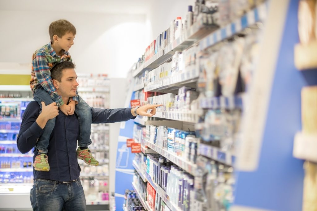 Father shopping with son